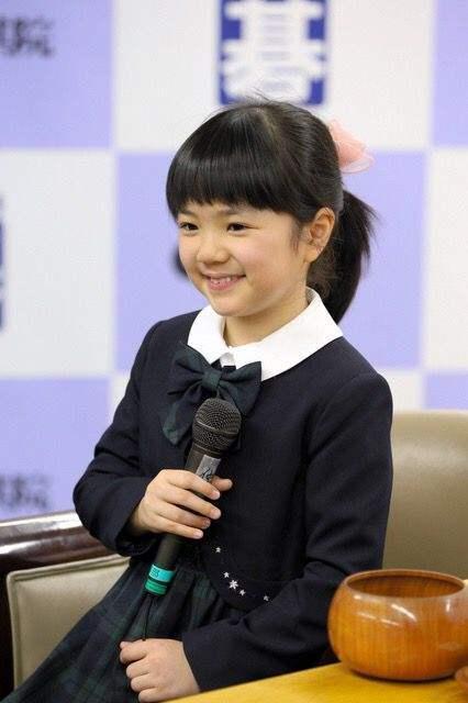 小学生的仲邑菫能赚多少钱?