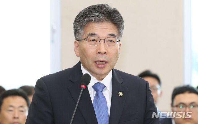 韩国警察厅厅长:未发现胜利夜店VIP房间有性暴力和吸毒情况