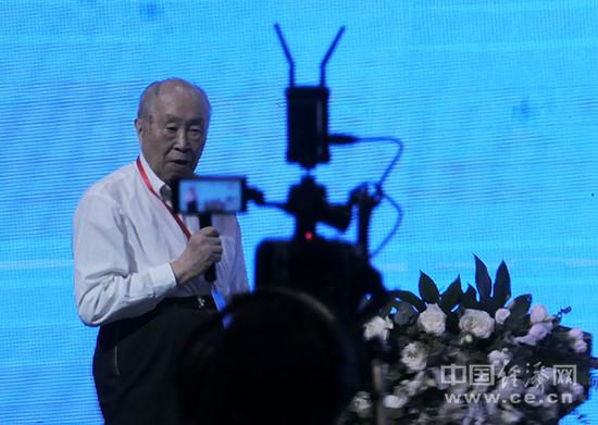 杨裕生:电动车安全放首位 政策和技术需全面保障