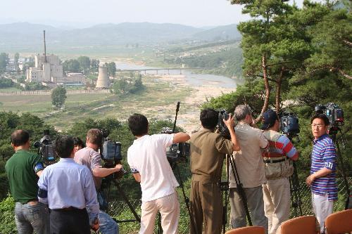韩媒:美拟临时放宽对朝鲜制裁 换取朝弃核