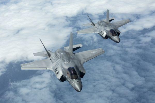 美军欧洲首个F-35隐身战机基地在英国开建