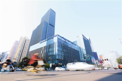 南京新街口苏宁易购广场。 (苏宁供图)
