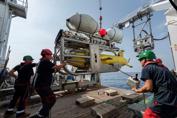 <b>船员家属结束51年等待 法国失踪潜艇被寻获|潜艇|拖船</b>