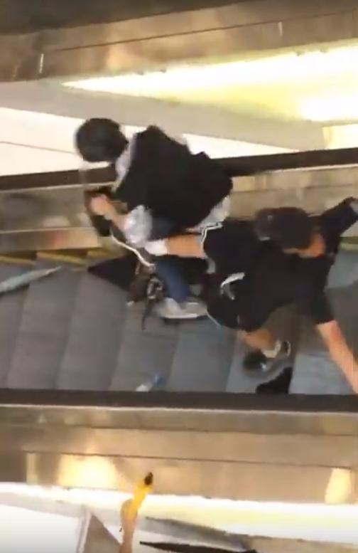香港警方逮捕沙田袭警嫌疑人 疑曾参与冲击中联办|沙田