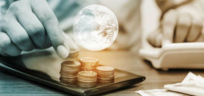 人民币国际化十年:道阻且长 但行则将至
