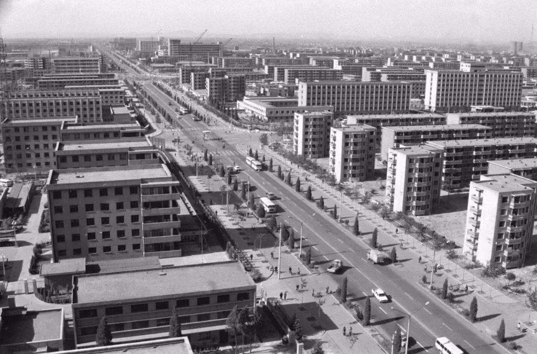 这是1986年唐山大地震十周年后的唐山。新华社记者 赵连升 摄