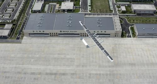 外媒:中国造中大型太阳能无人飞机首飞成功|太阳能