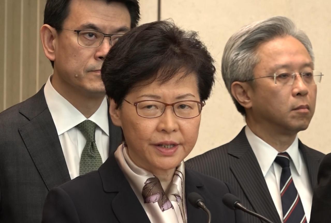 港府:香港处在十分危险的境地 大家要冷静下来