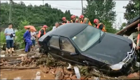 湖北十堰局地暴雨突发山洪 导致8人遇难多人失联|山洪|人遇难