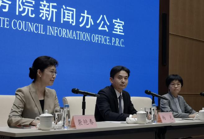 港澳办:香港学生第一课应是国民教育,呼吁参暴青年迷途知返