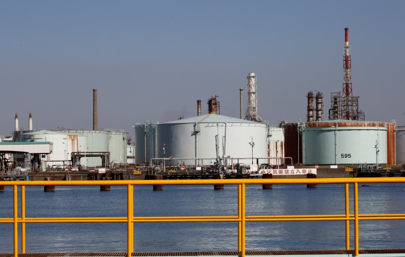 原油欧盘:布油较4月高点下跌20% 进入熊市区间 日内关注EIA库存