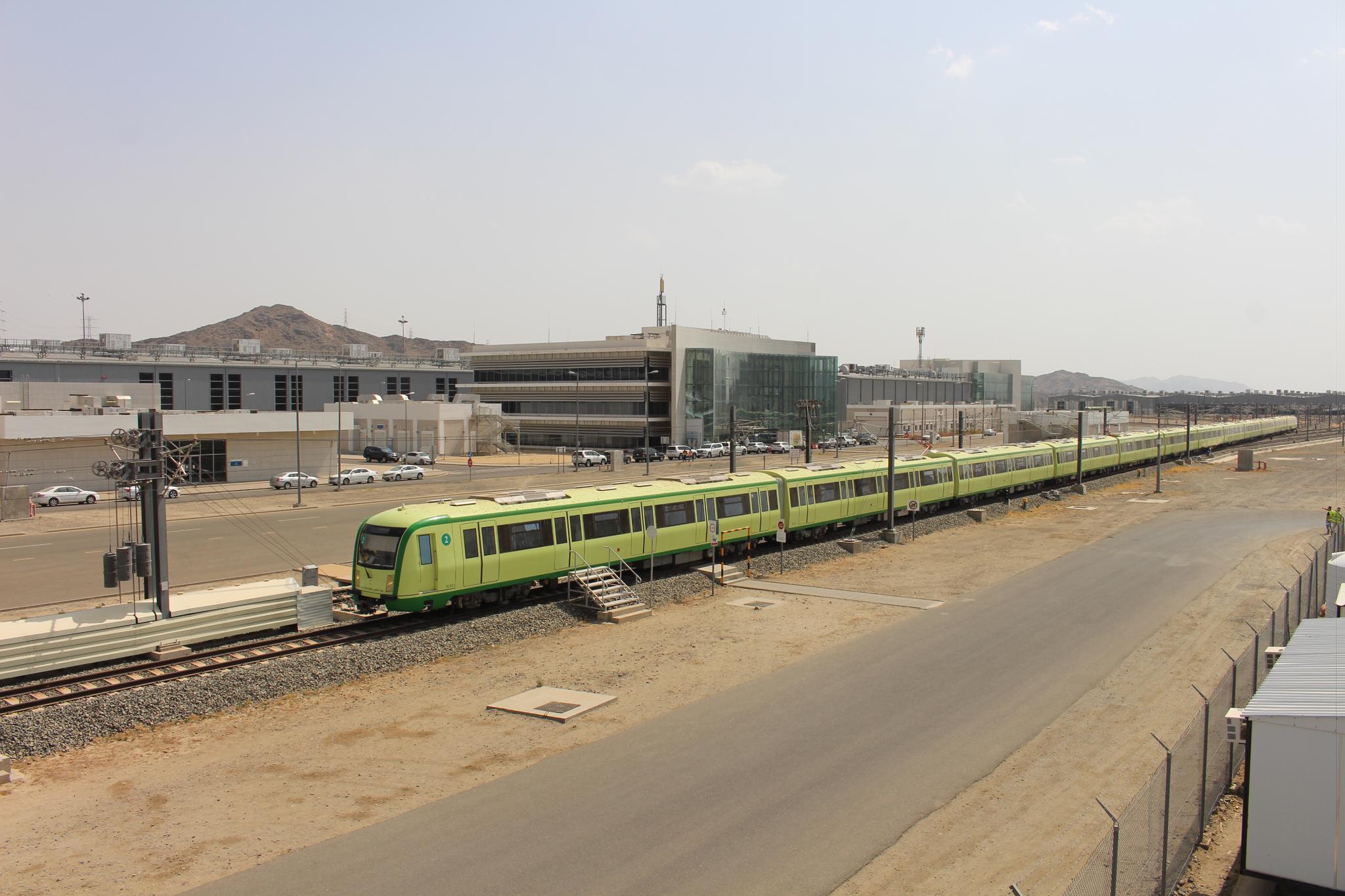 中国铁建正式开始沙特麦加轻轨朝觐运营|麦加|中国铁建