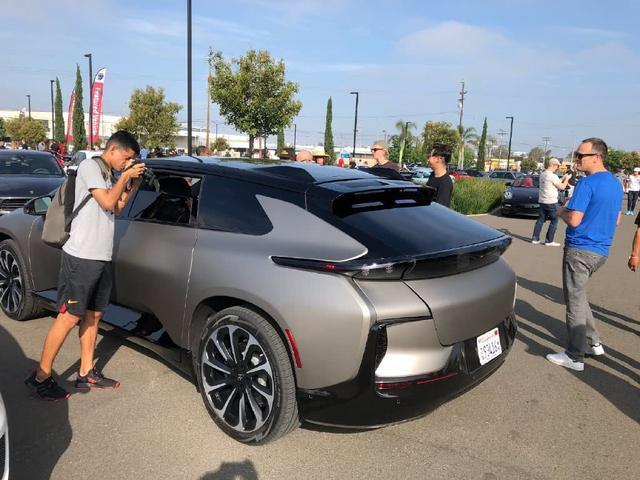 法拉第未来FF91 实车现身国外小车展