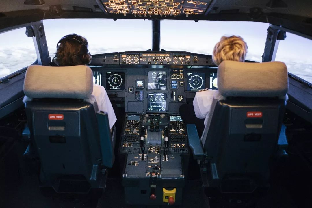 中国学员在美航校坠机 只是不幸吗?