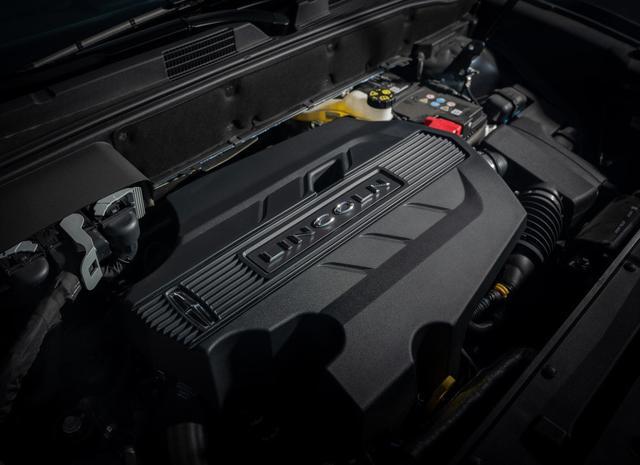 廉价豪华中大型SUV,配329马力+10喇叭