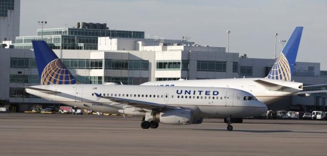 防宿醉,美联航飞行员禁酒令延长到起飞前12小时