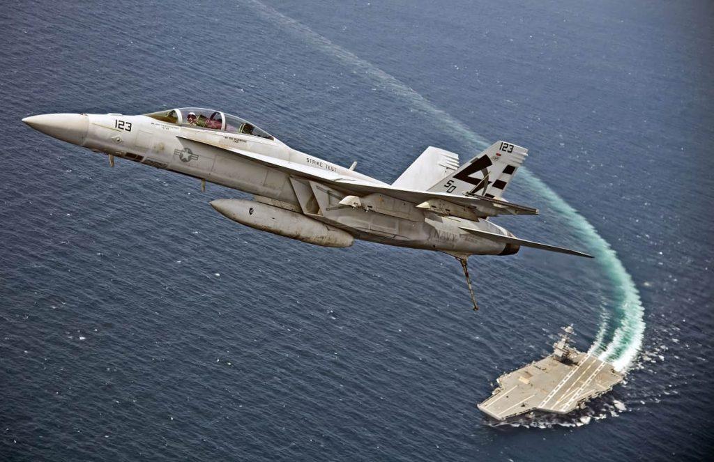 美福特航母着舰系统通过测试 可用飞机名单中无F35