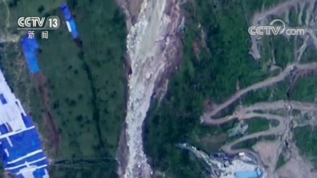追踪成昆铁路甘洛段山体崩塌事故:现场一直有飞石和垮塌出现