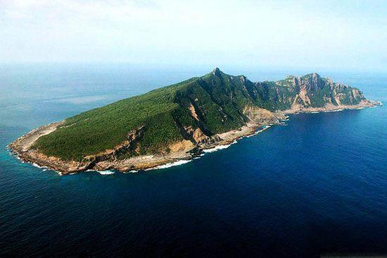 中国海警舰艇编队16日在钓鱼岛领海内巡航