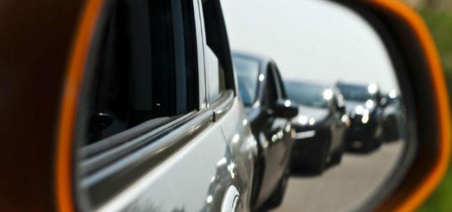 一天就下订单,自燃也阻止不了……他们为何买了新造车企业的电动车?