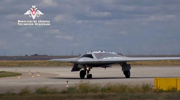 """俄國防部公布的""""獵人""""首飛視頻截圖"""