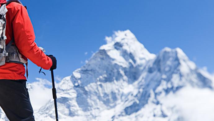 70岁老者双腿截肢 战胜癌症成功登顶珠穆朗玛峰|癌症|抗癌
