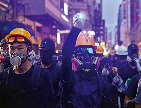 """香港暴徒又来袭警 仅半小时就被""""团灭"""""""