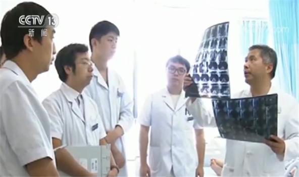中国医师节:执业医师数量达360.7万 年诊疗人次超过83亿