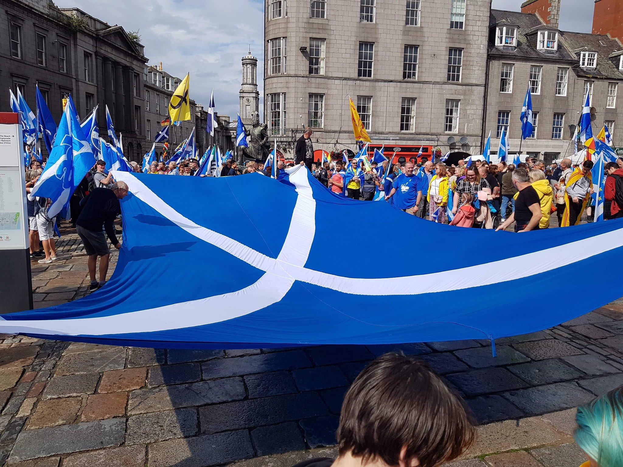 过半民调支持独立 苏格兰人又上街:反对伦敦统治|游行|威尔士