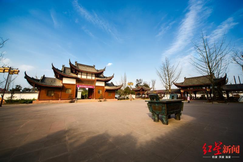 今起四川丹棱县老峨山、大雅堂博物馆对全国公安民警免费开放