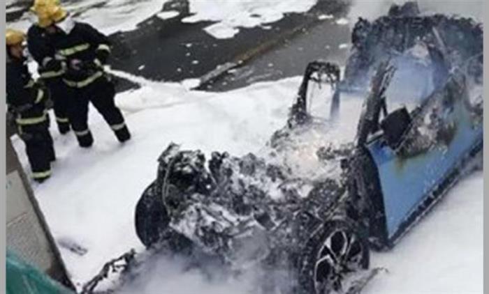 调查显示 超四成新能源车在行驶时起火