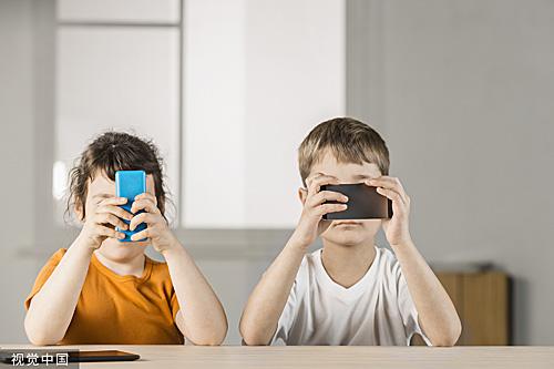 俄教育部建议限制中小学生使用手机:或致精神障碍|手机