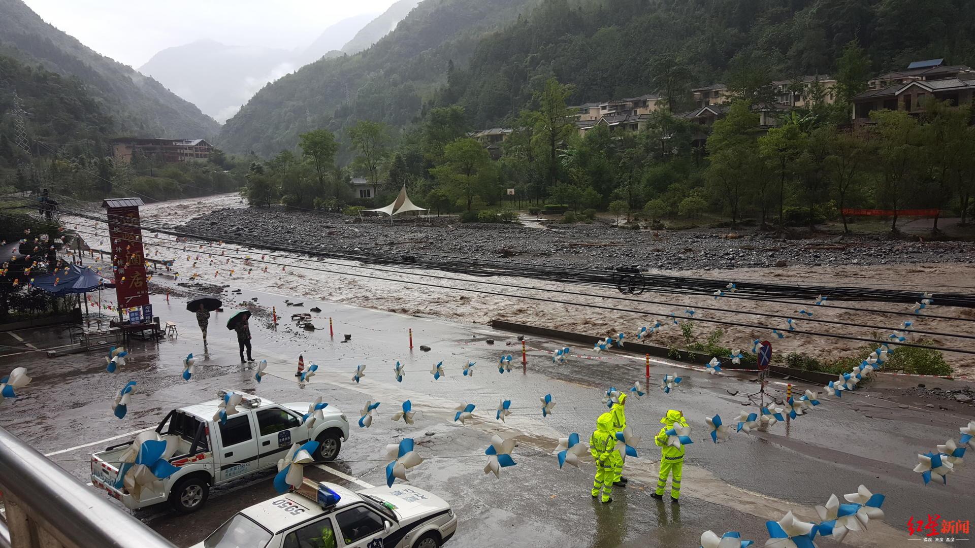 西岭雪山景区483名游客安全转移,电力通讯设施部分恢复