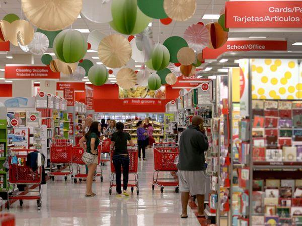 资料图片:美国迈阿密的一家连锁超市购物。(新华社发)