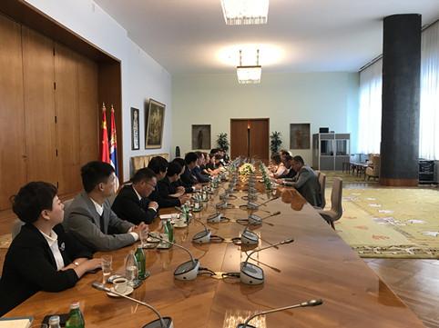 中欧协会代表团与塞尔维亚副总理利亚伊奇举行会谈