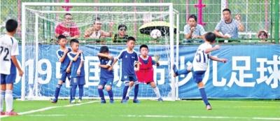 武汉晚报杯举办25年,走出蒿俊闵等一百多位国字号球员