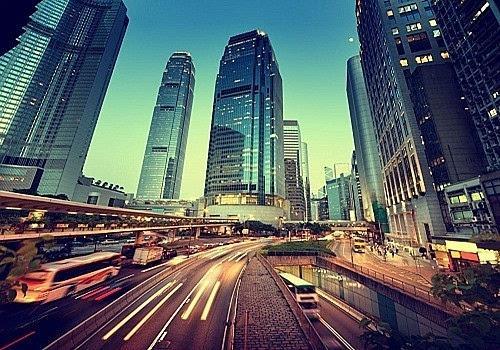 王小广:深圳发展靠的是忧患意识及创新能力强