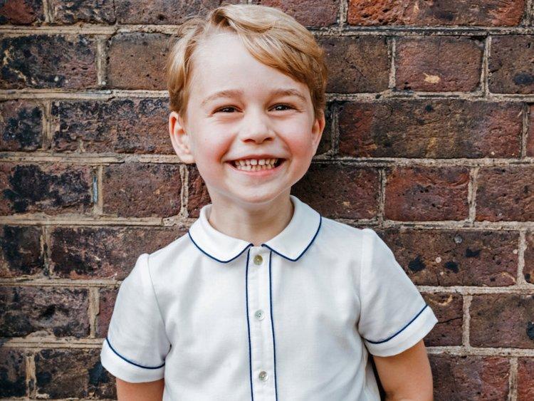 美国女主持嘲笑6岁乔治王子学芭蕾 被批后道歉图片