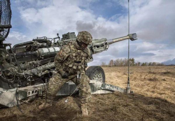 材料图片:配备M777型榴弹炮的好国陆军炮兵队伍。(好国陆军网站)