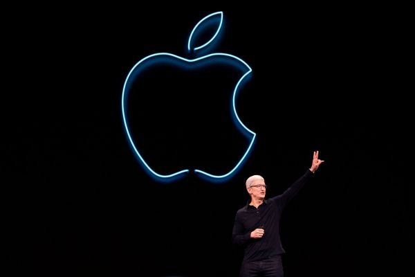 材料图片:苹果CEO库克。(法新社)
