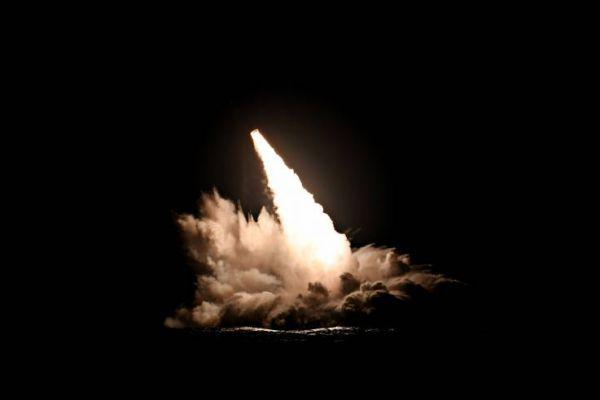 俄宣布愿对美出售核导弹 美国拒绝并试射4枚导弹