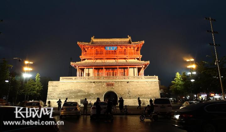 邢台市实施夜景亮化提升改造工程 打造流光溢彩清风楼