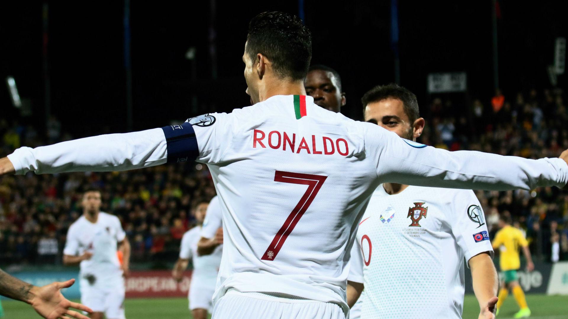 C罗欧洲杯称王 一战刷新多项纪录