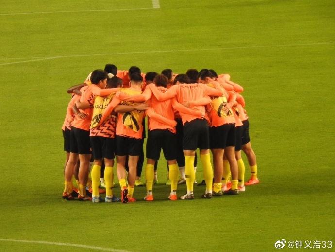 晋级亚冠东亚区决赛,众恒大球员微博庆祝:继续前进