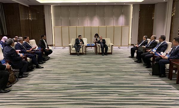 宁吉喆副主任会见马来西亚国际贸易与工业部长雷金