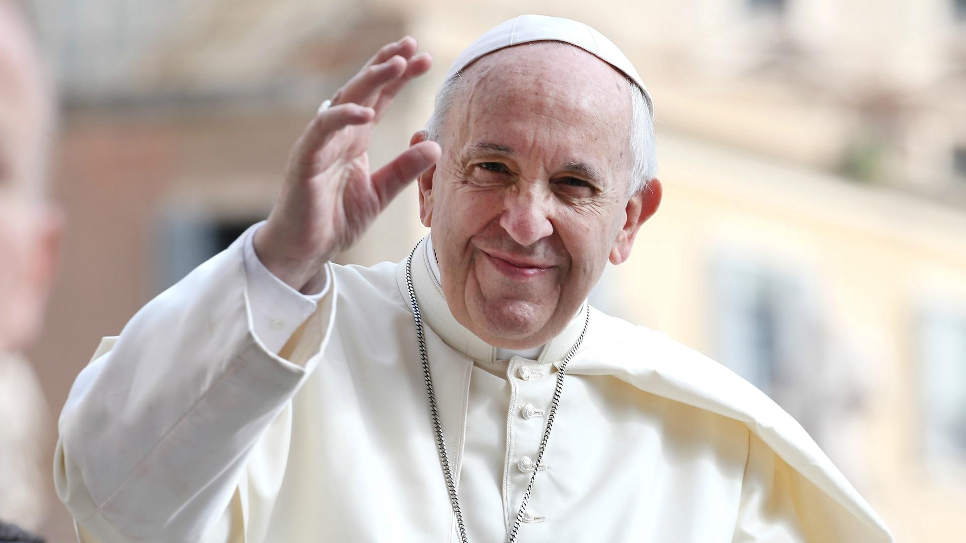 意大利队梵蒂冈会见教皇 庆祝晋级欧洲杯
