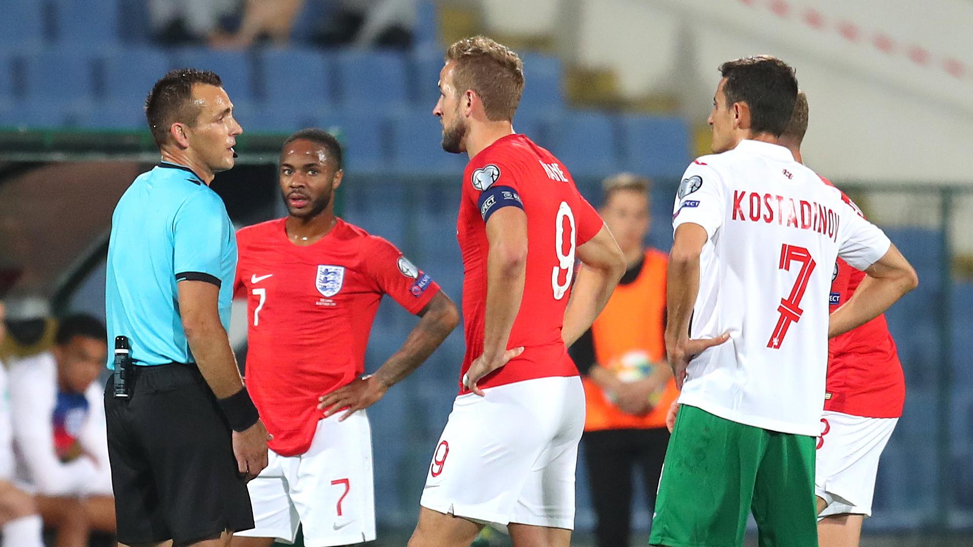 伊恩·赖特:欧足联反种族歧视不力 这些球迷需教育