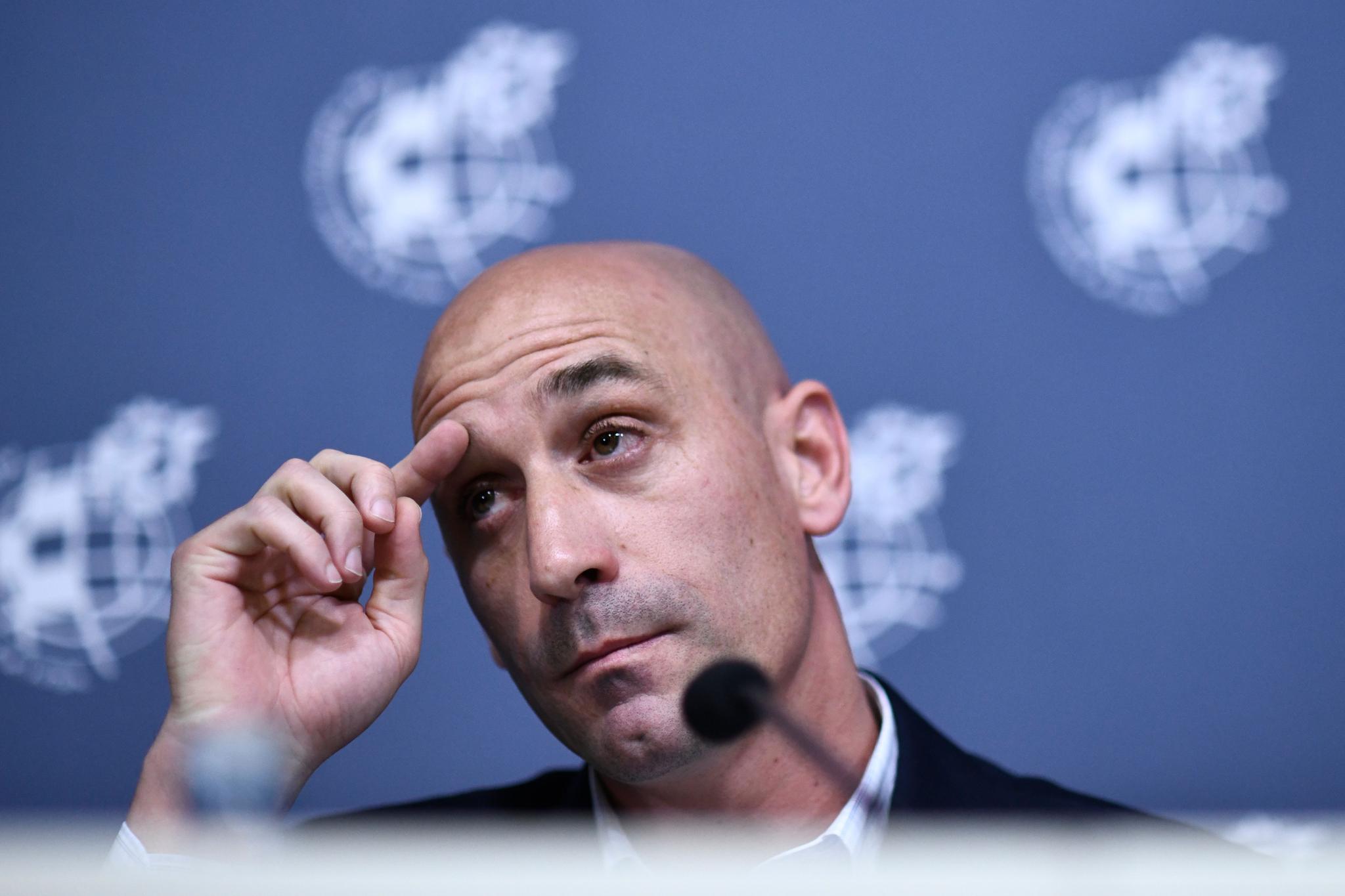 西班牙足协主席:尽快对国家德比做出决策