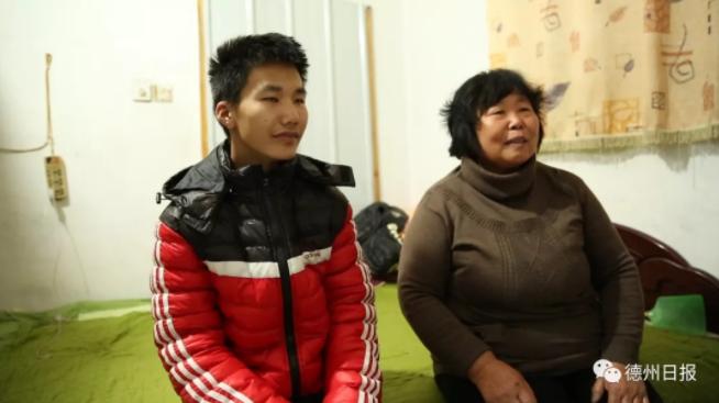 """德州16岁聋哑男孩3年志愿""""拯救""""单车2万辆次"""