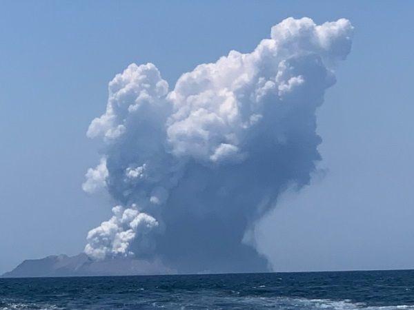 新西兰火山喷发8人失联,大使馆
